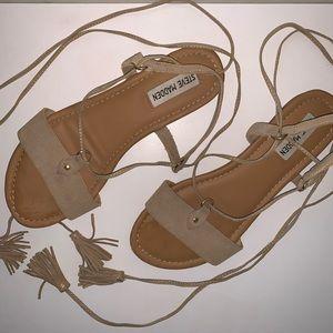 Steve Madden Sofya Leather Wrap Ankle Sandals.